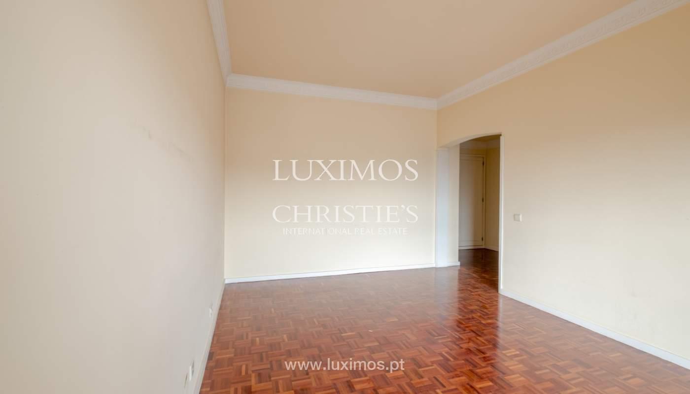 Arrendamento de apartamento com varanda, na Boavista_150986