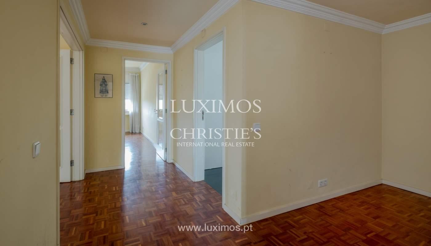 Arrendamento de apartamento com varanda, na Boavista_150990