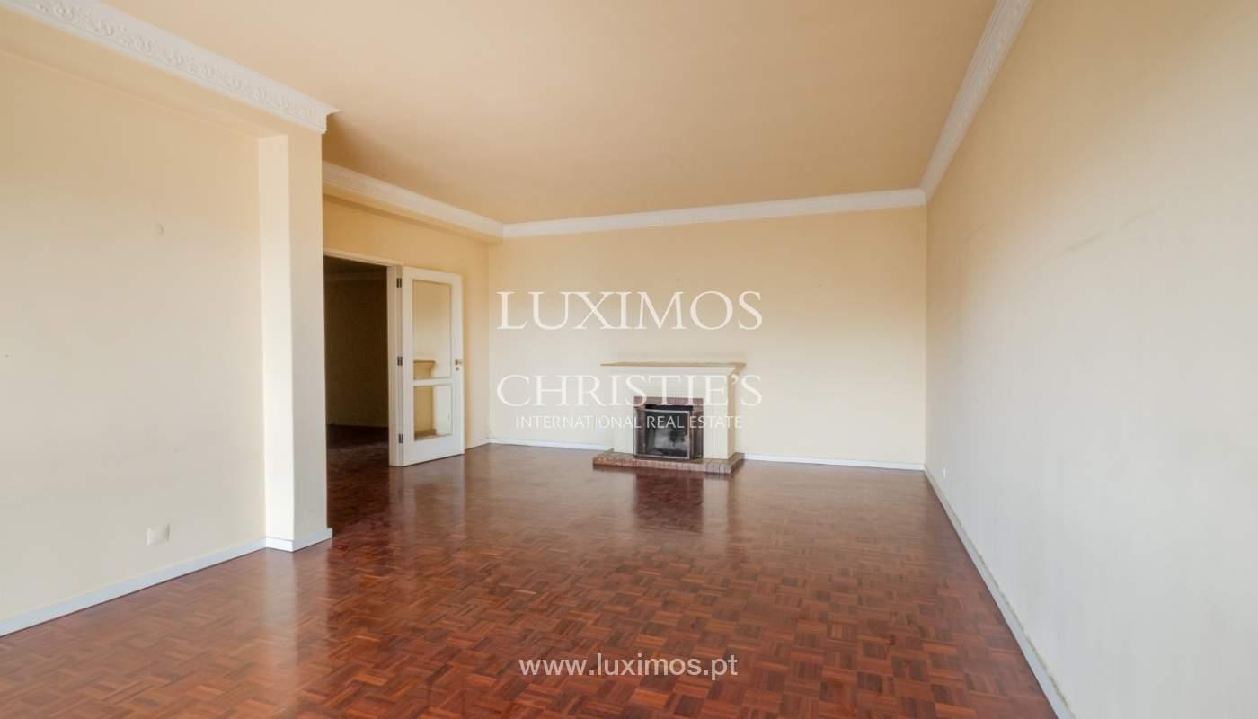 Arrendamento de apartamento com varanda, na Boavista_150996
