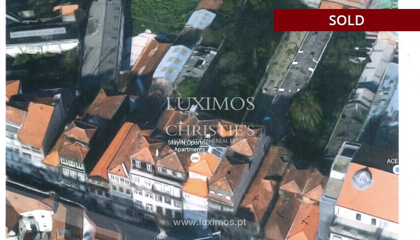 Venda de 3 prédios para reconstruir em localização prime, no Porto_151035