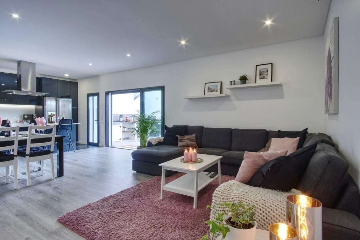 spacious-3-bedroom-apartment-near-the-beach-quarteira-algarve