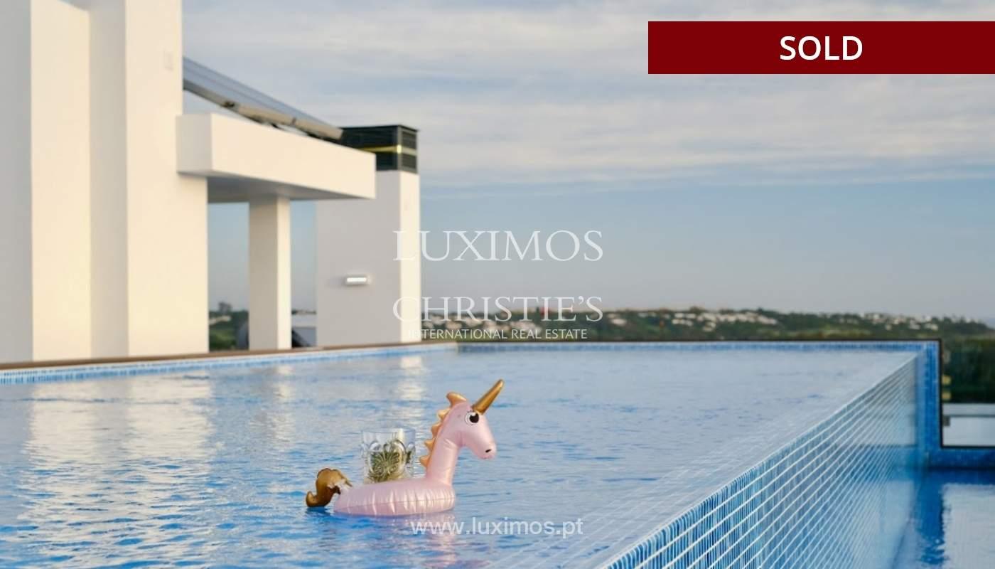 Geräumige 3-Zimmer-Wohnung, in Strandnähe, Quarteira, Algarve_151132