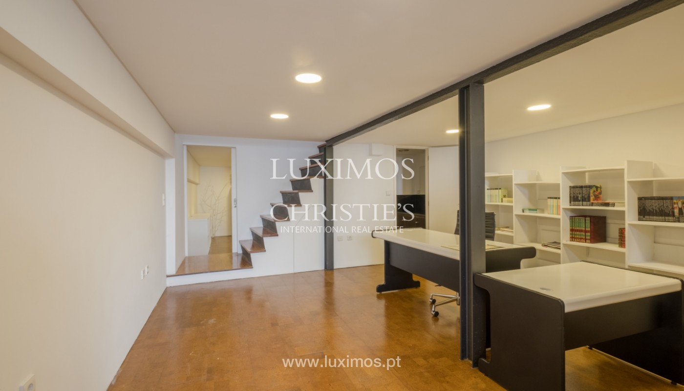Rehabilitated house with garden, for sale, in Porto Centre, Portugal_151474