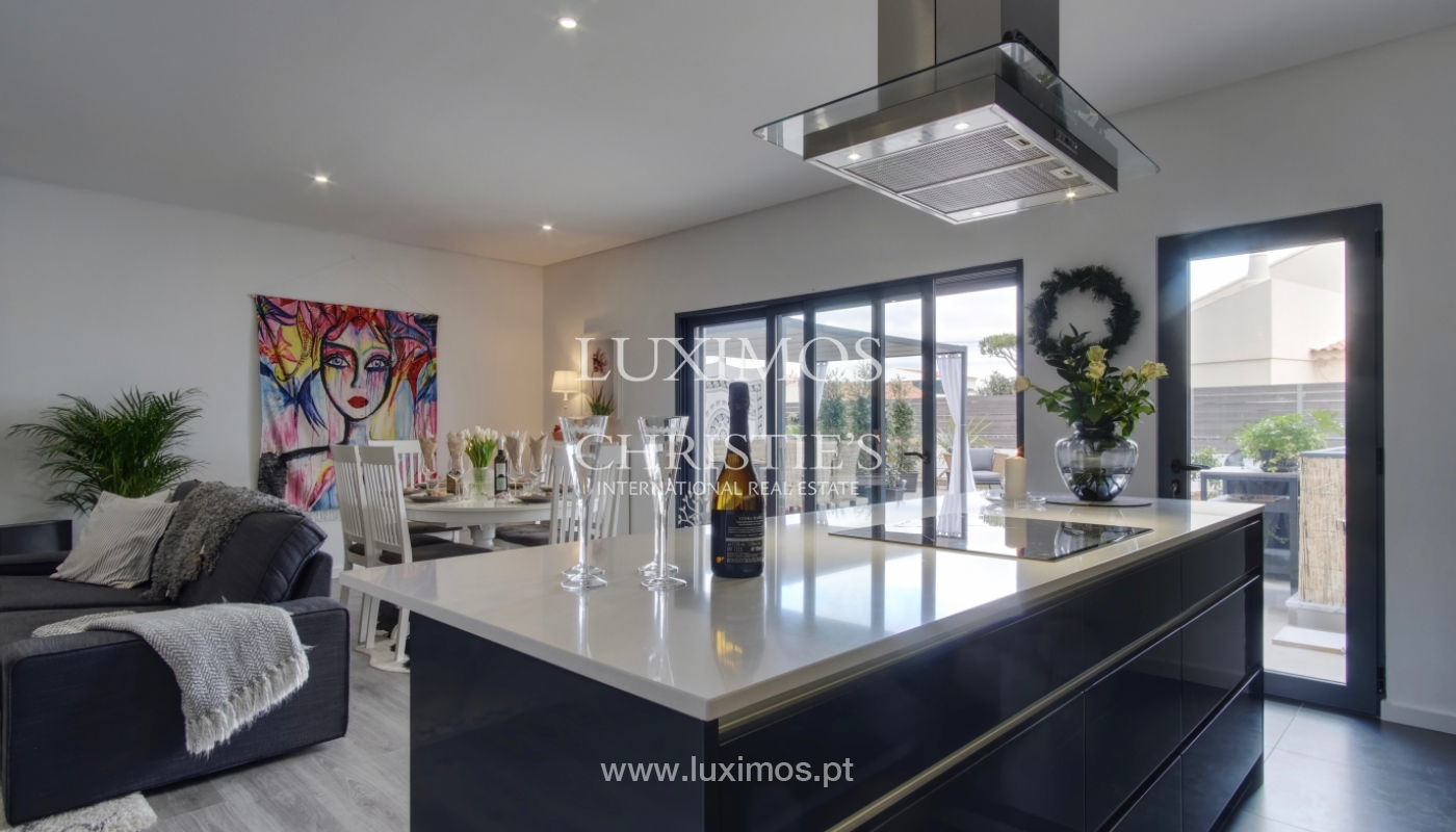 Espaçoso apartamento T3, perto da praia, Quarteira, Algarve_151556