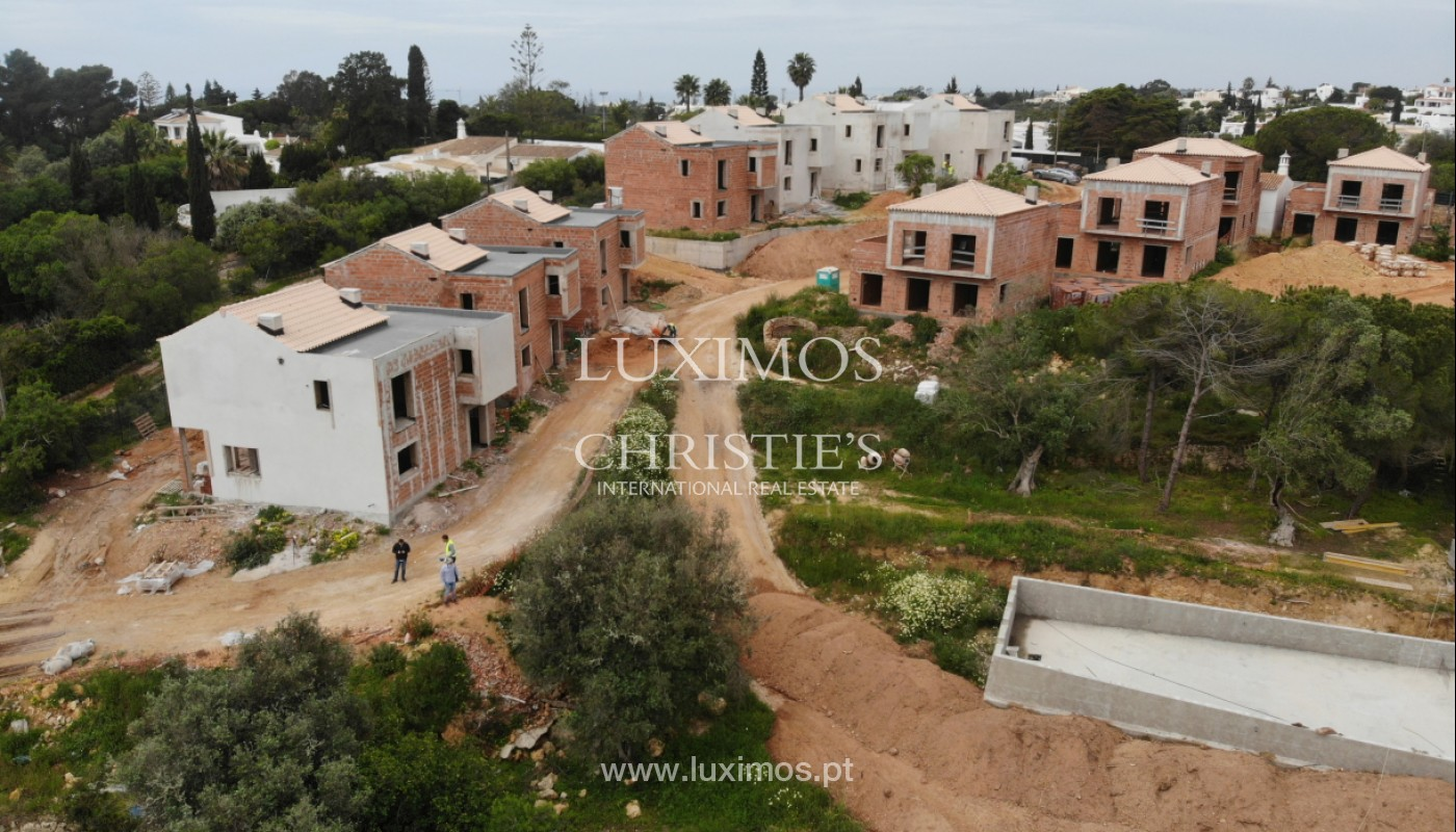 Villa with 3 Bedrooms, in luxury condominium, Carvoeiro, Algarve_152536