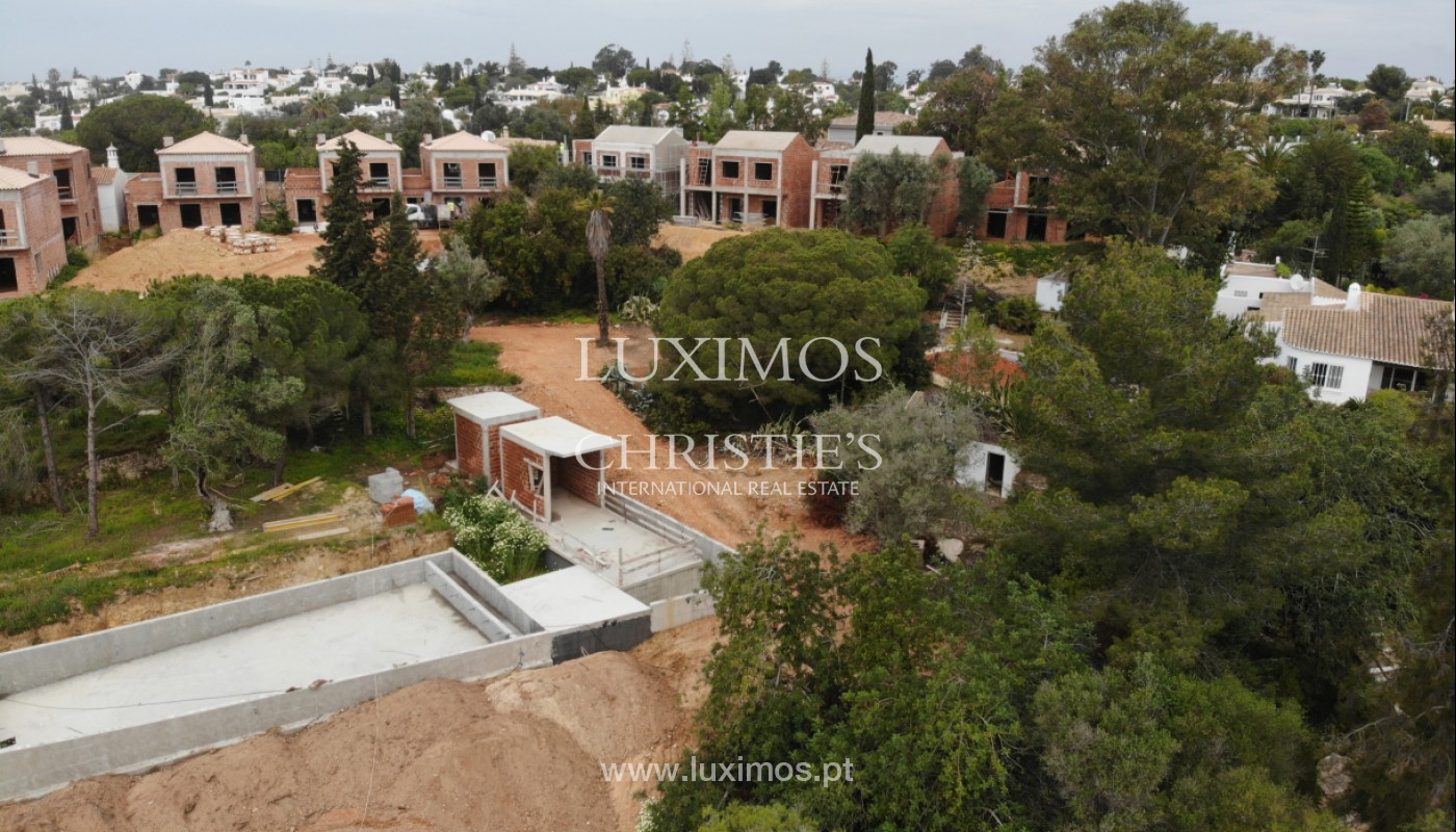 Villa with 3 Bedrooms, in luxury condominium, Carvoeiro, Algarve_152537