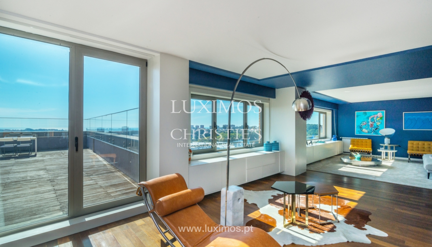 Penthouse with terrace and stunning Douro river views, Porto, Portugal_153018