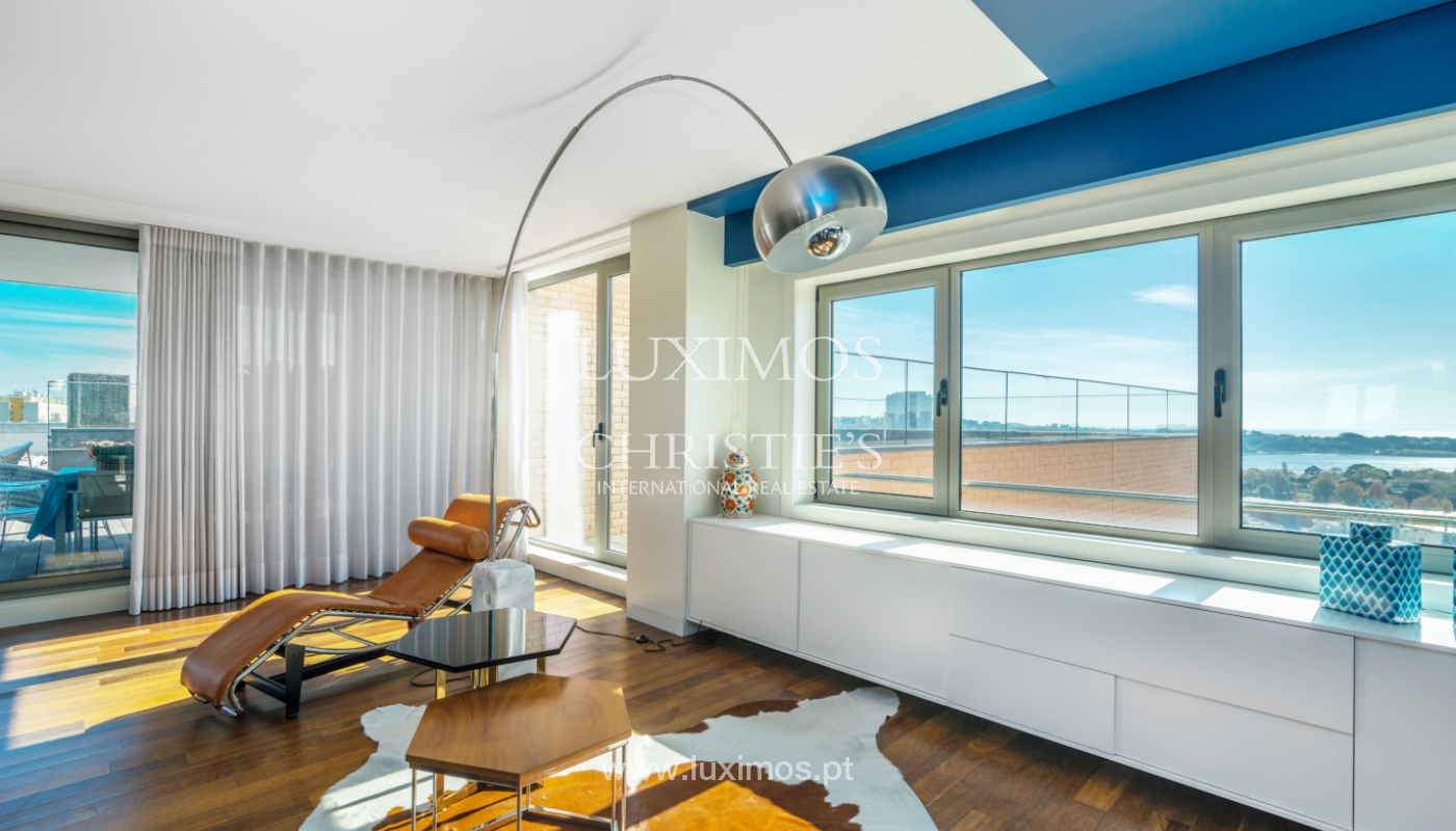 Penthouse with terrace and stunning Douro river views, Porto, Portugal_153021