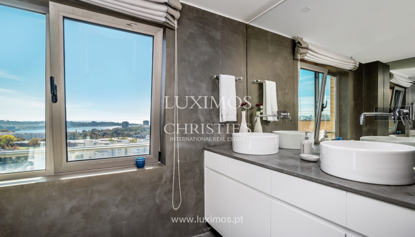 Penthouse with terrace and stunning Douro river views, Porto, Portugal_153028