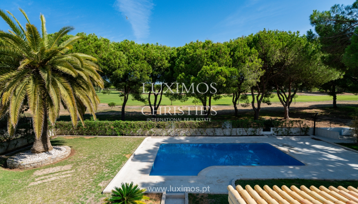 Villa with 4 Bedrooms, pool and garden, centre of Vilamoura, Algarve_153156