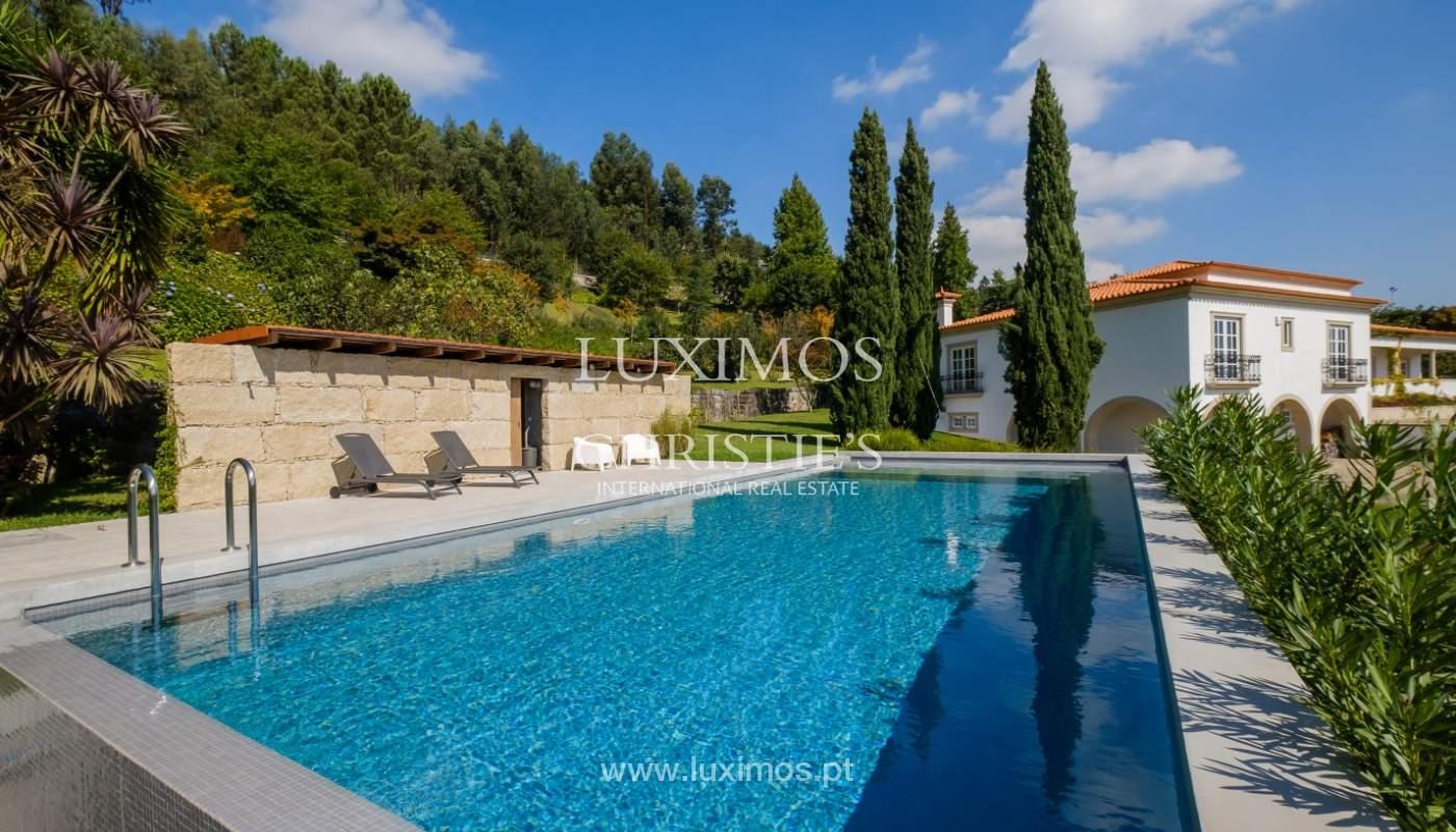 Casa típica portuguesa com jardim e piscina, para venda, em Guimarães_153256