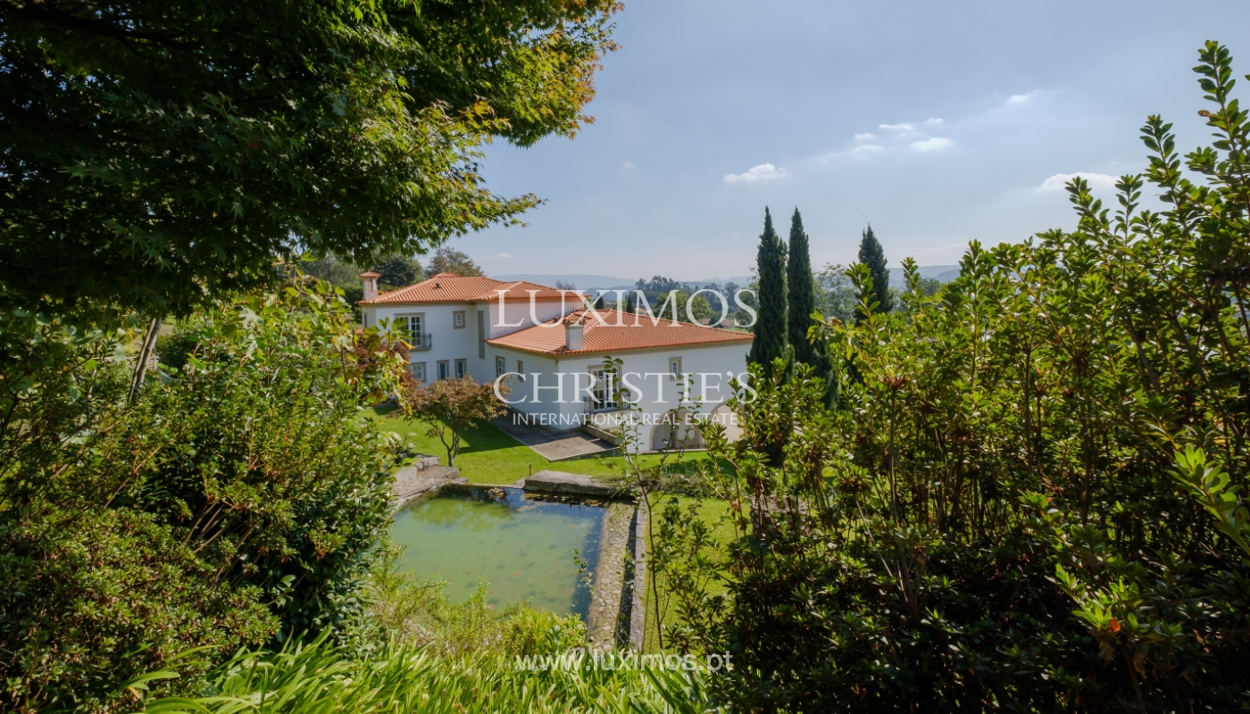 Casa típica portuguesa com jardim e piscina, para venda, em Guimarães_153281