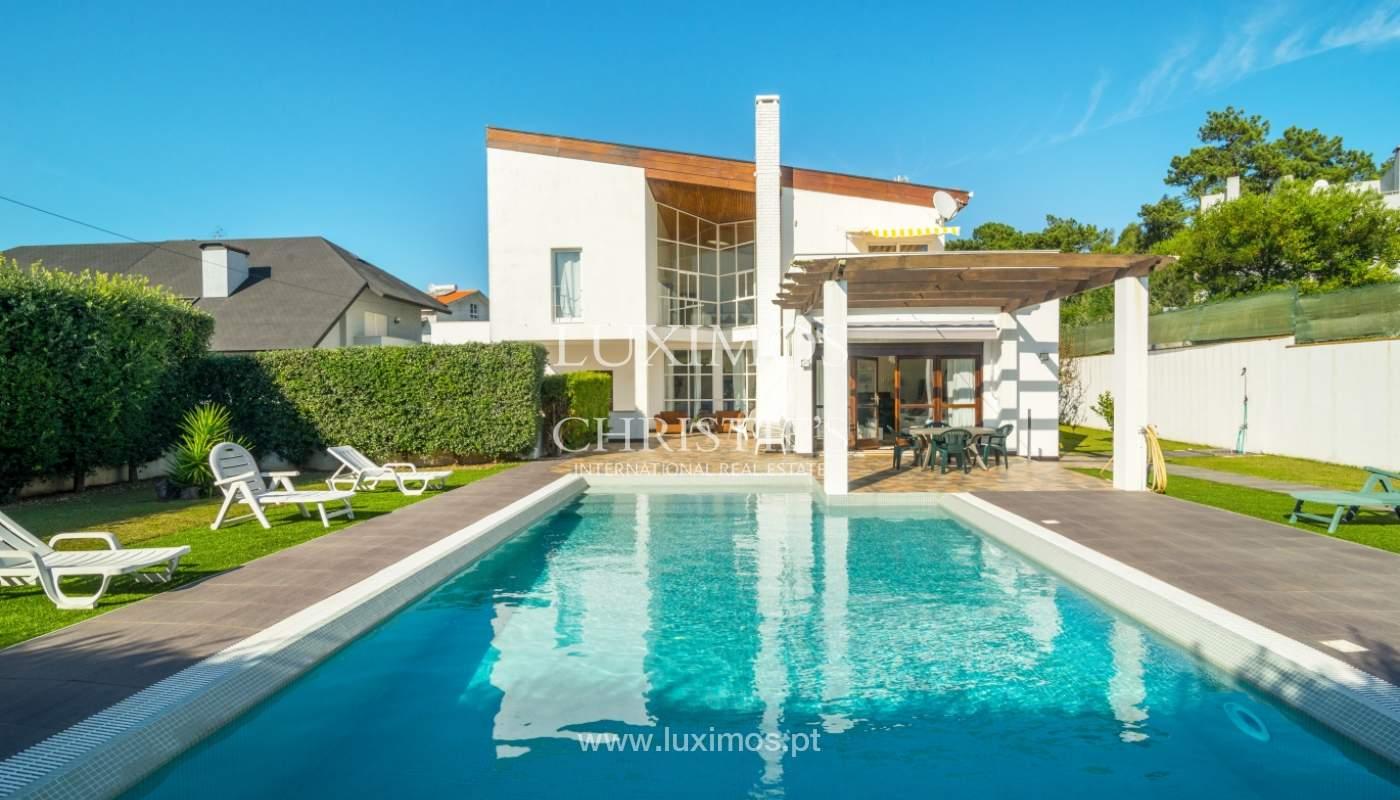 Moradia com jardim e piscina, para venda, junto à Praia de Miramar, Porto, Portugal_153794