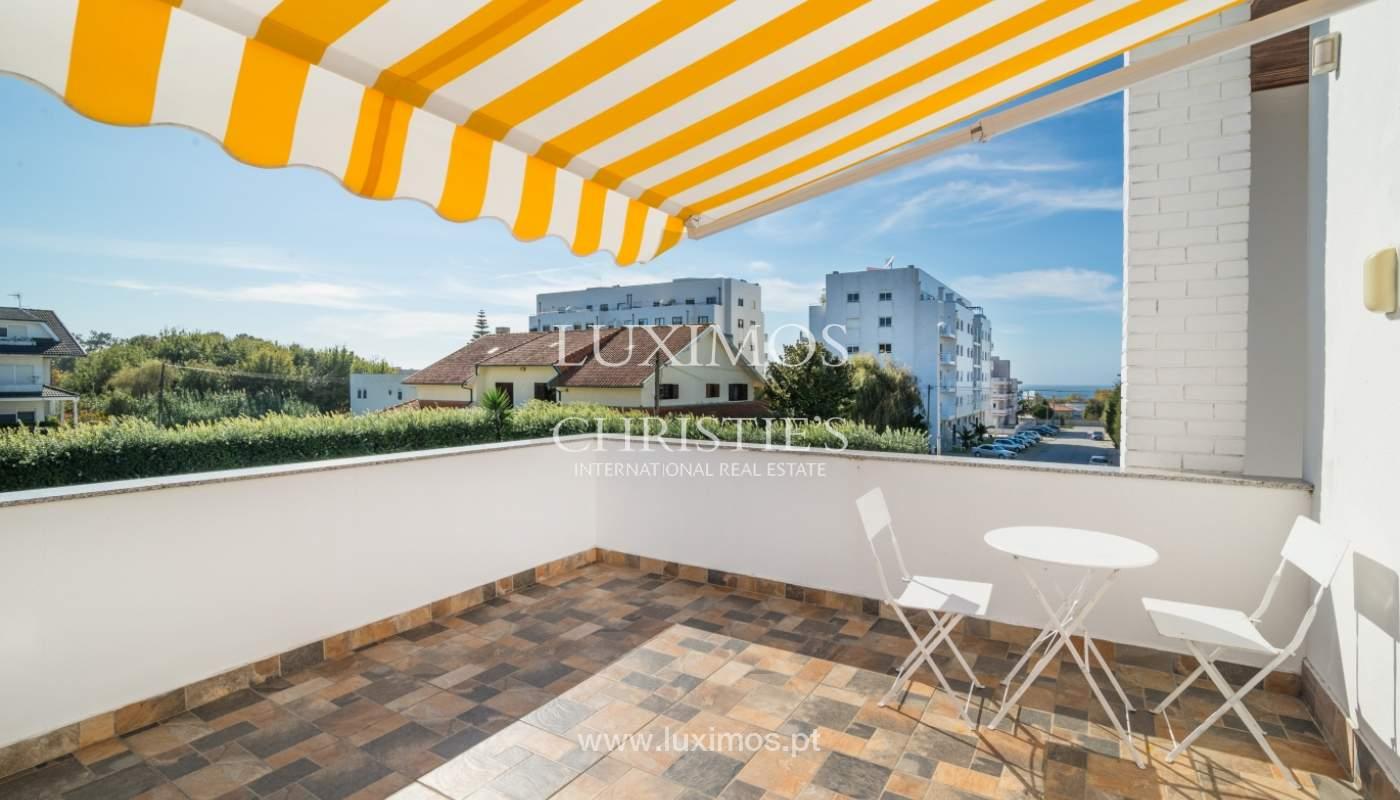 Moradia com jardim e piscina, para venda, junto à Praia de Miramar, Porto, Portugal_153797