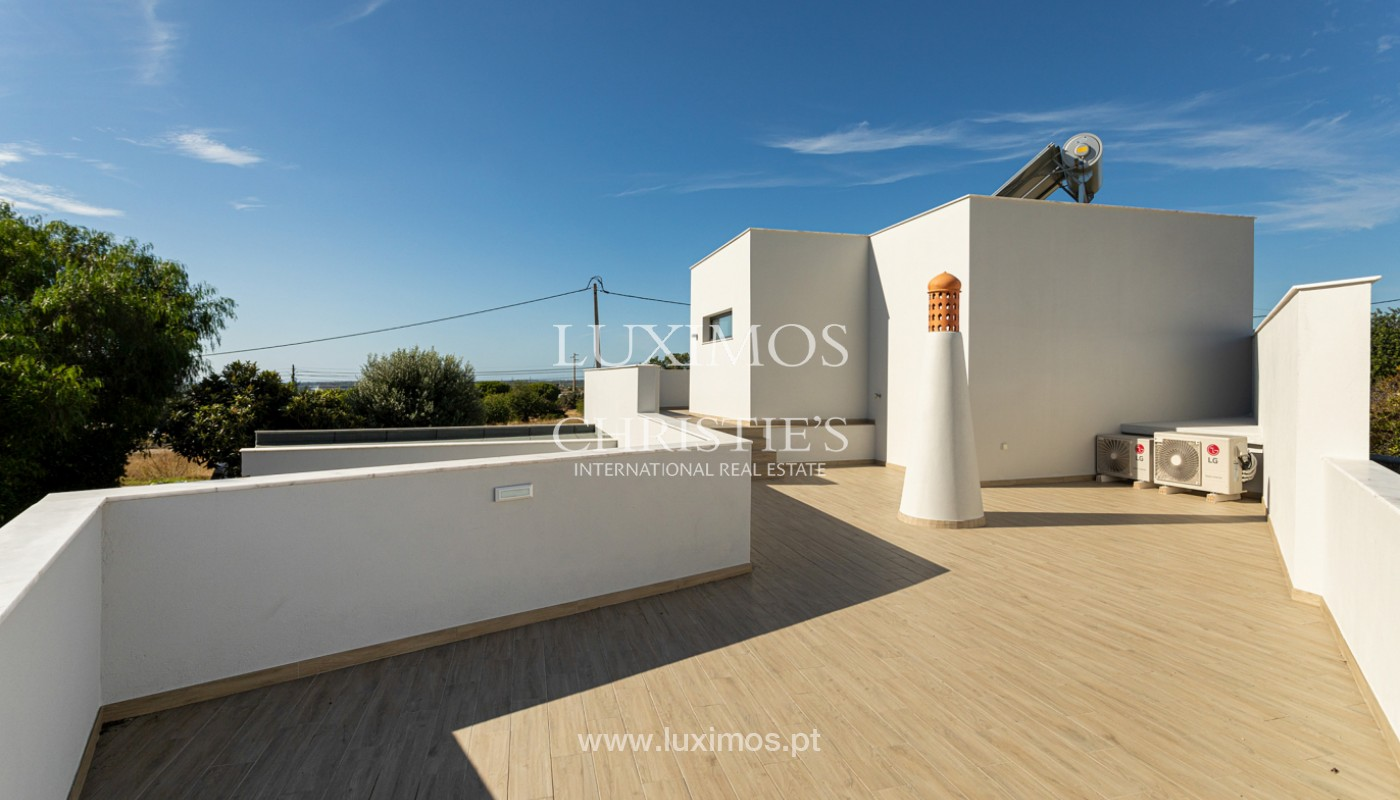 Villa contemporánea, con vista al mar y a la montaña, Santa Bárbara de Nexe, Algarve_153921