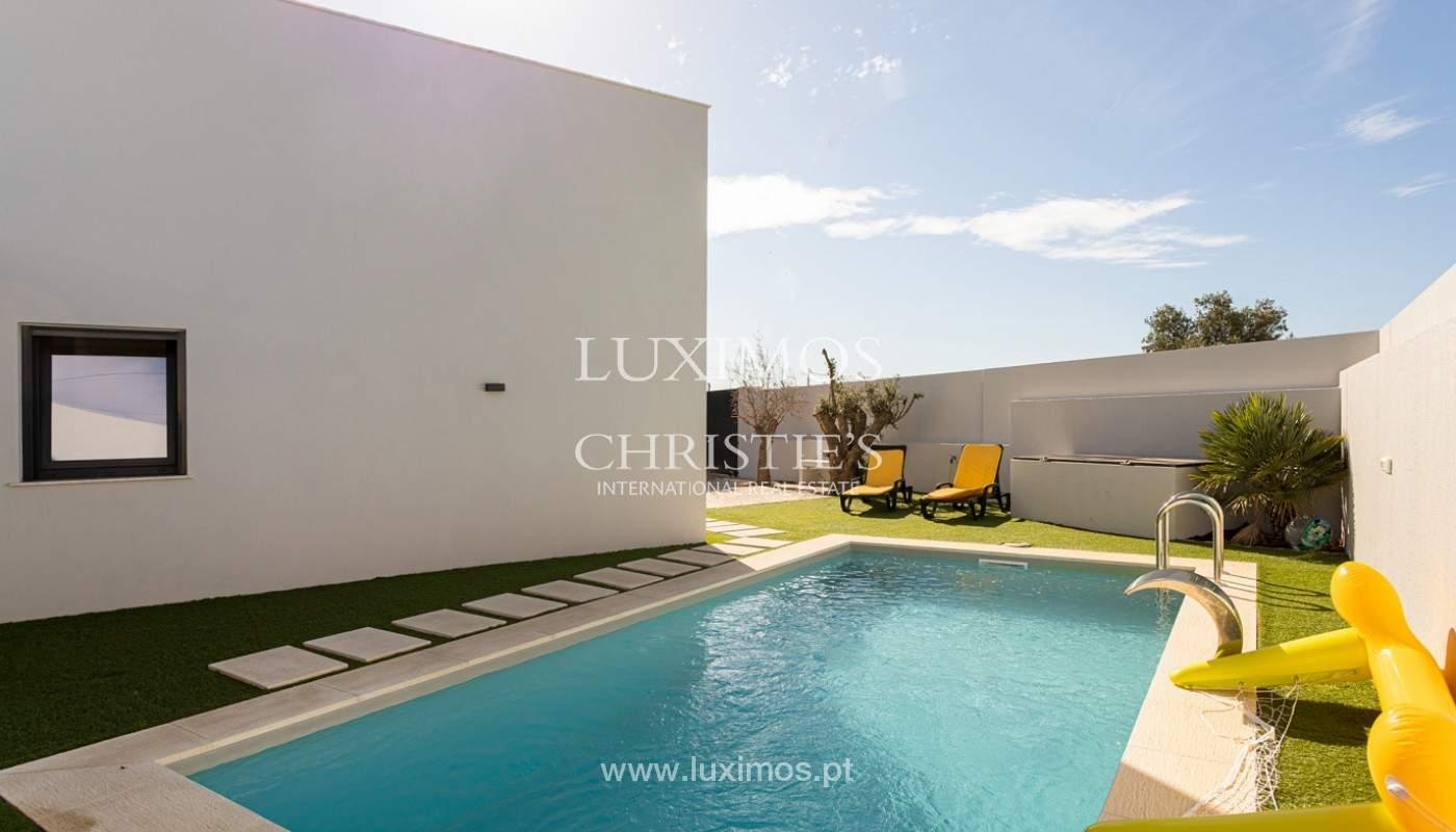 Villa contemporánea, con vista al mar y a la montaña, Santa Bárbara de Nexe, Algarve_153923