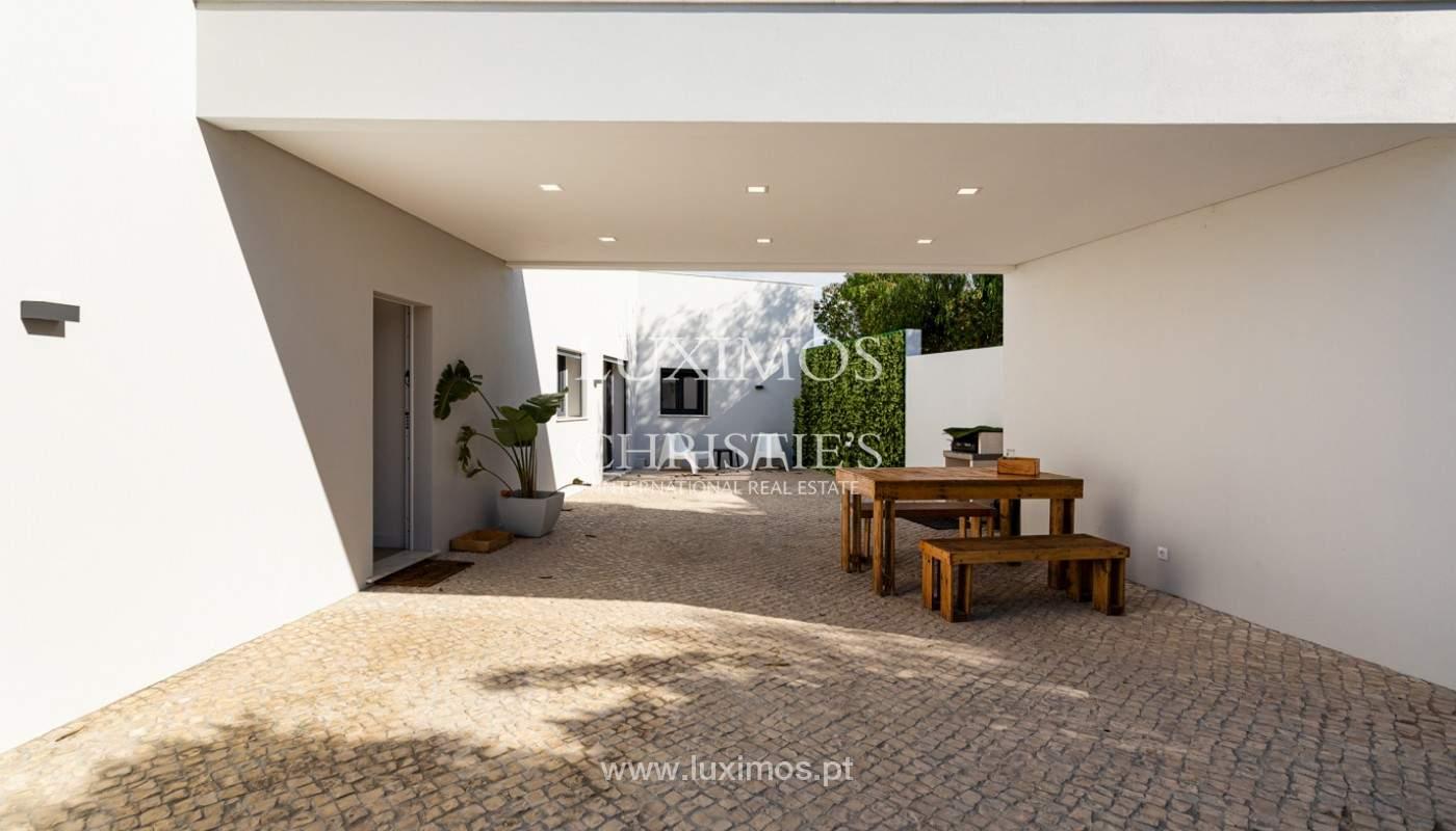 Villa contemporánea, con vista al mar y a la montaña, Santa Bárbara de Nexe, Algarve_153927