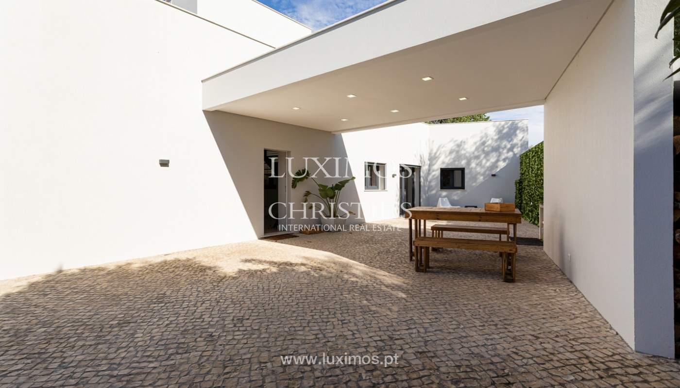Villa contemporánea, con vista al mar y a la montaña, Santa Bárbara de Nexe, Algarve_153928