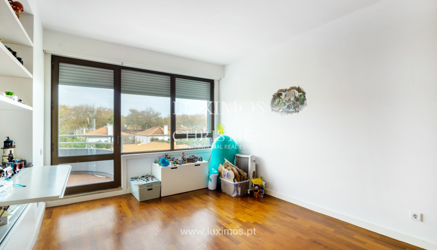 Apartment with balcony and sea views, for sale, in Foz do Douro, Porto, Portugal_154135