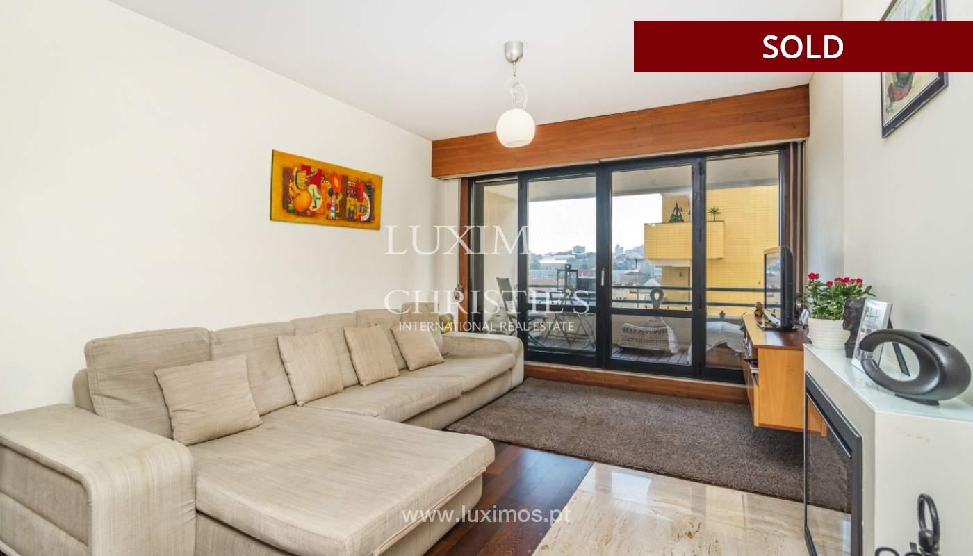 Apartamento con balcón, en venta, en Boavista, Portugal_155558