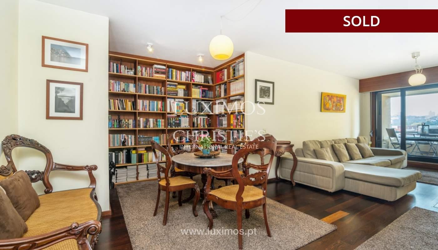 Apartamento con balcón, en venta, en Boavista, Portugal_155564
