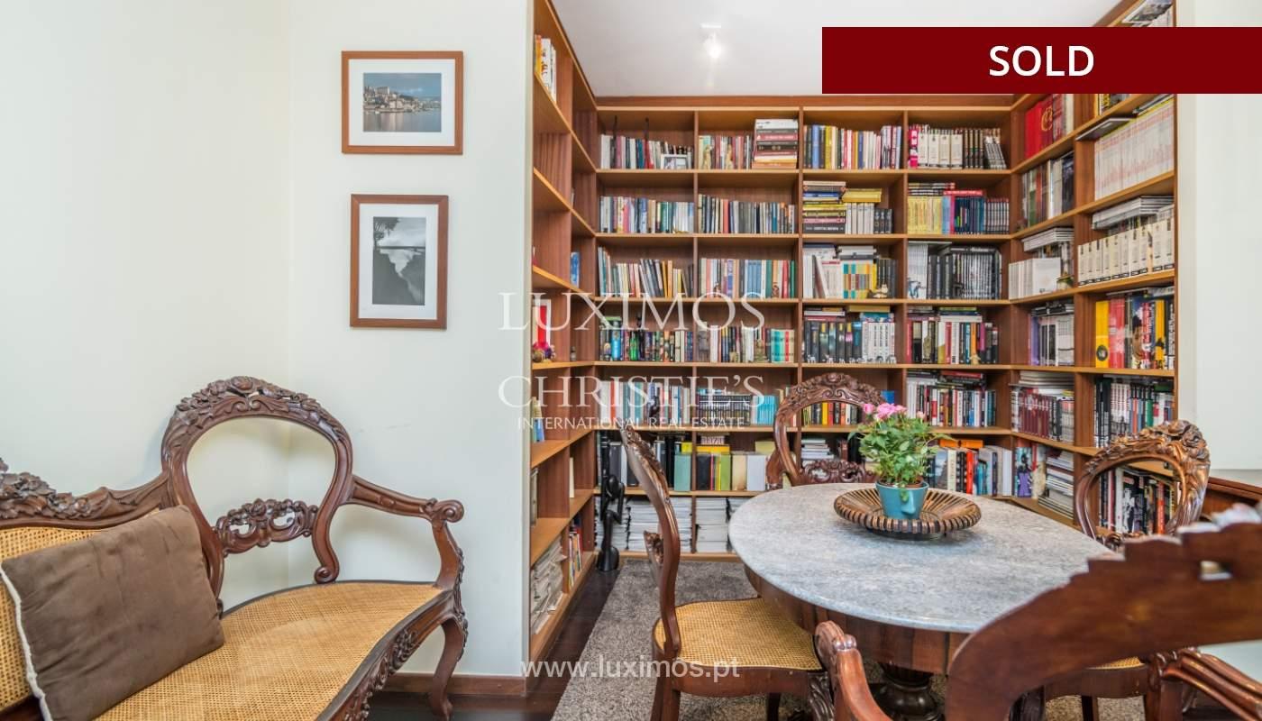 Apartamento con balcón, en venta, en Boavista, Portugal_155574
