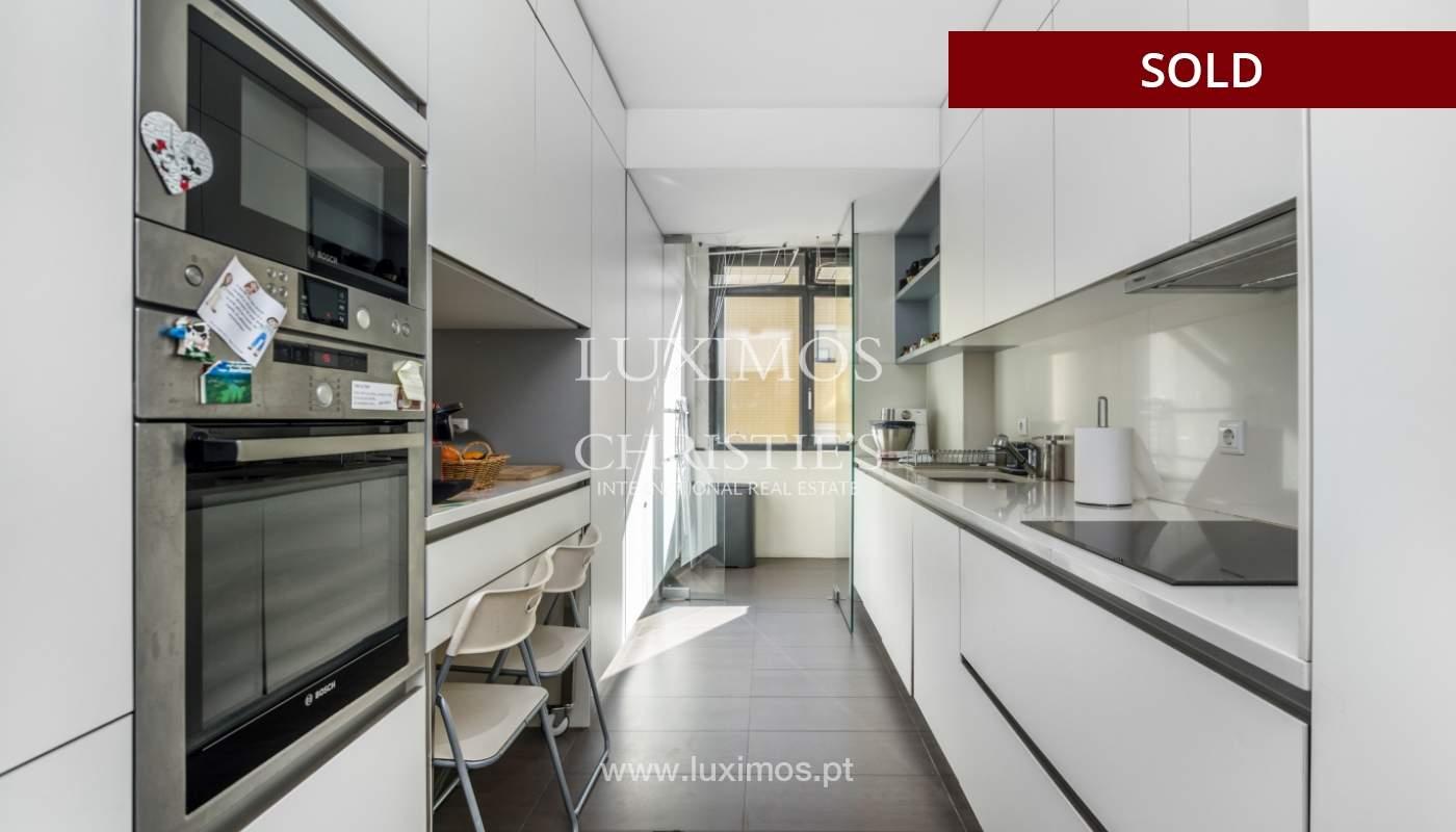 Apartamento con balcón, en venta, en Boavista, Portugal_155576