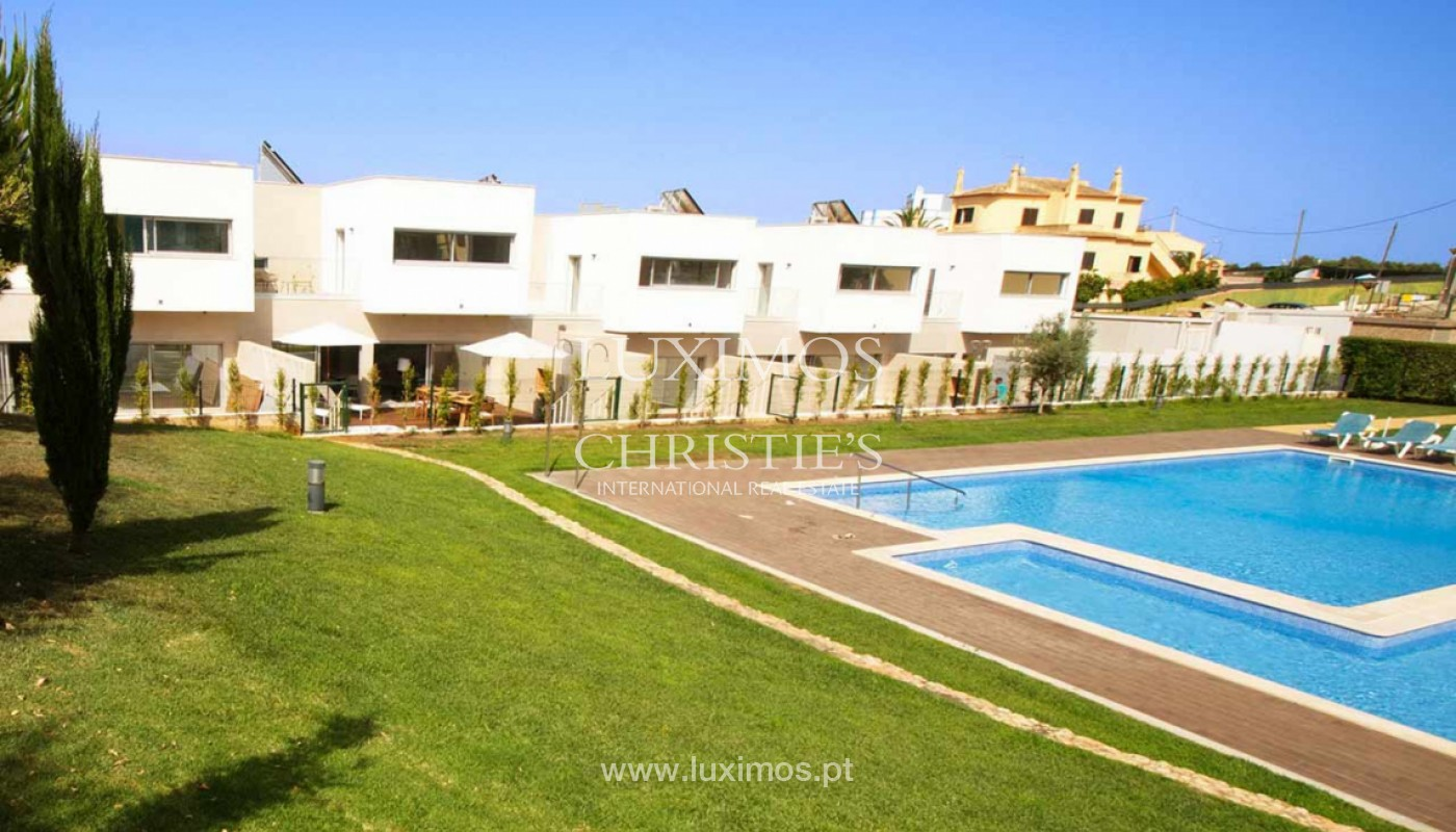 Villa with 3 Bedrooms, in private condominium, for sale, Ferragudo, Algarve_156255