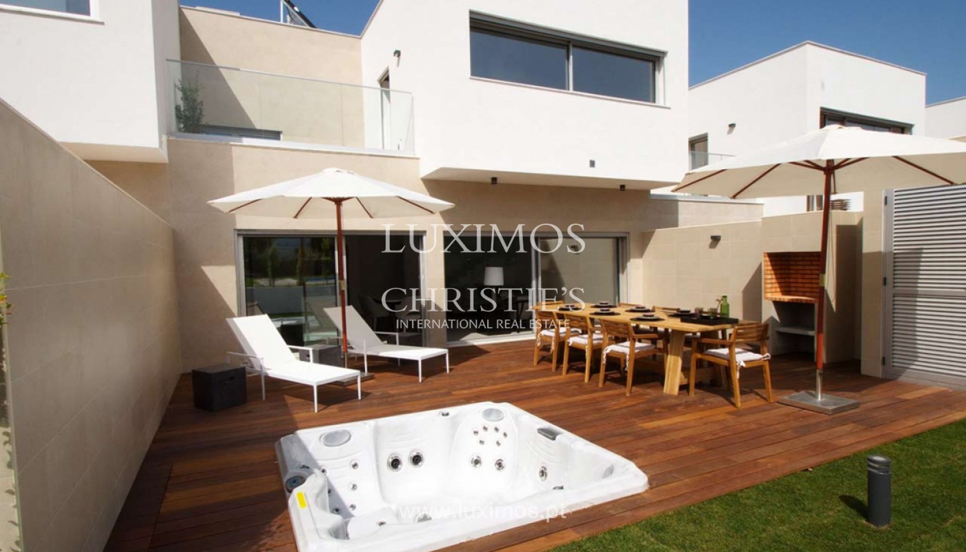 Villa with 3 Bedrooms, in private condominium, for sale, Ferragudo, Algarve_156264