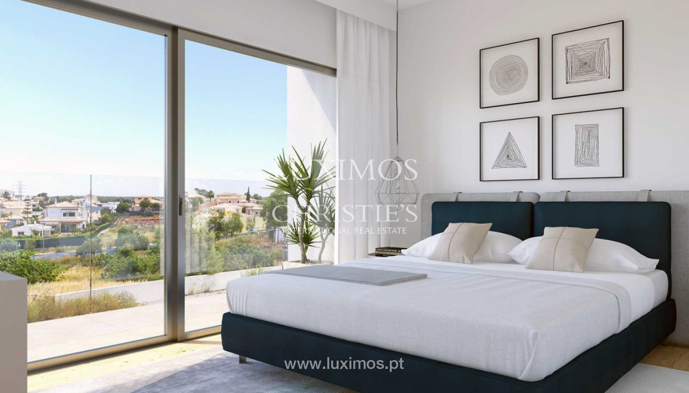 Villa with 3 Bedrooms, in private condominium, for sale, Ferragudo, Algarve_156323