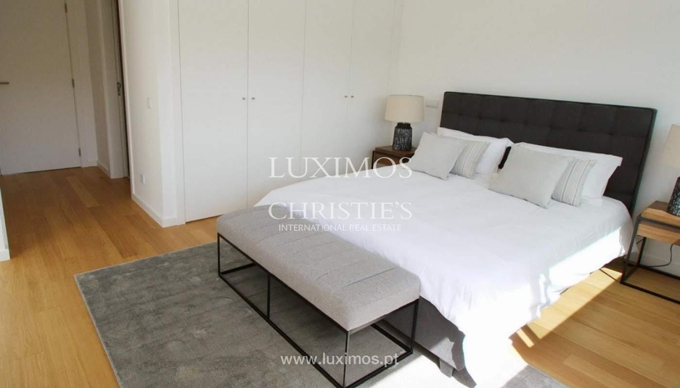 Villa with 3 Bedrooms, in private condominium, for sale, Ferragudo, Algarve_156332