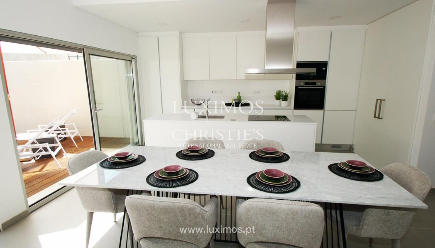 Villa with 3 Bedrooms, in private condominium, for sale, Ferragudo, Algarve_156333
