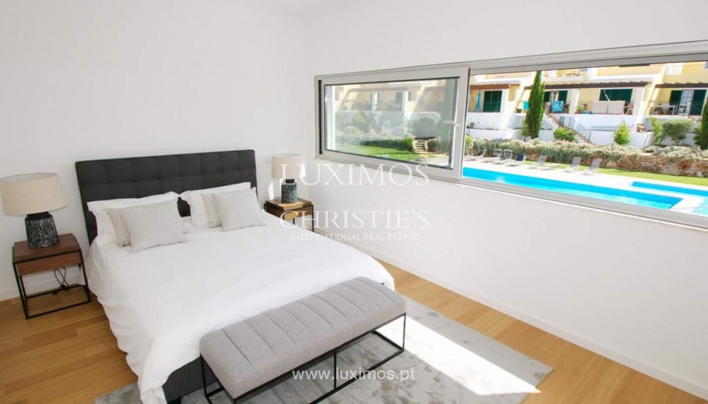 Casa de 3 dormitorios, en condominio privado, en venta, Ferragudo, Algarve_157806