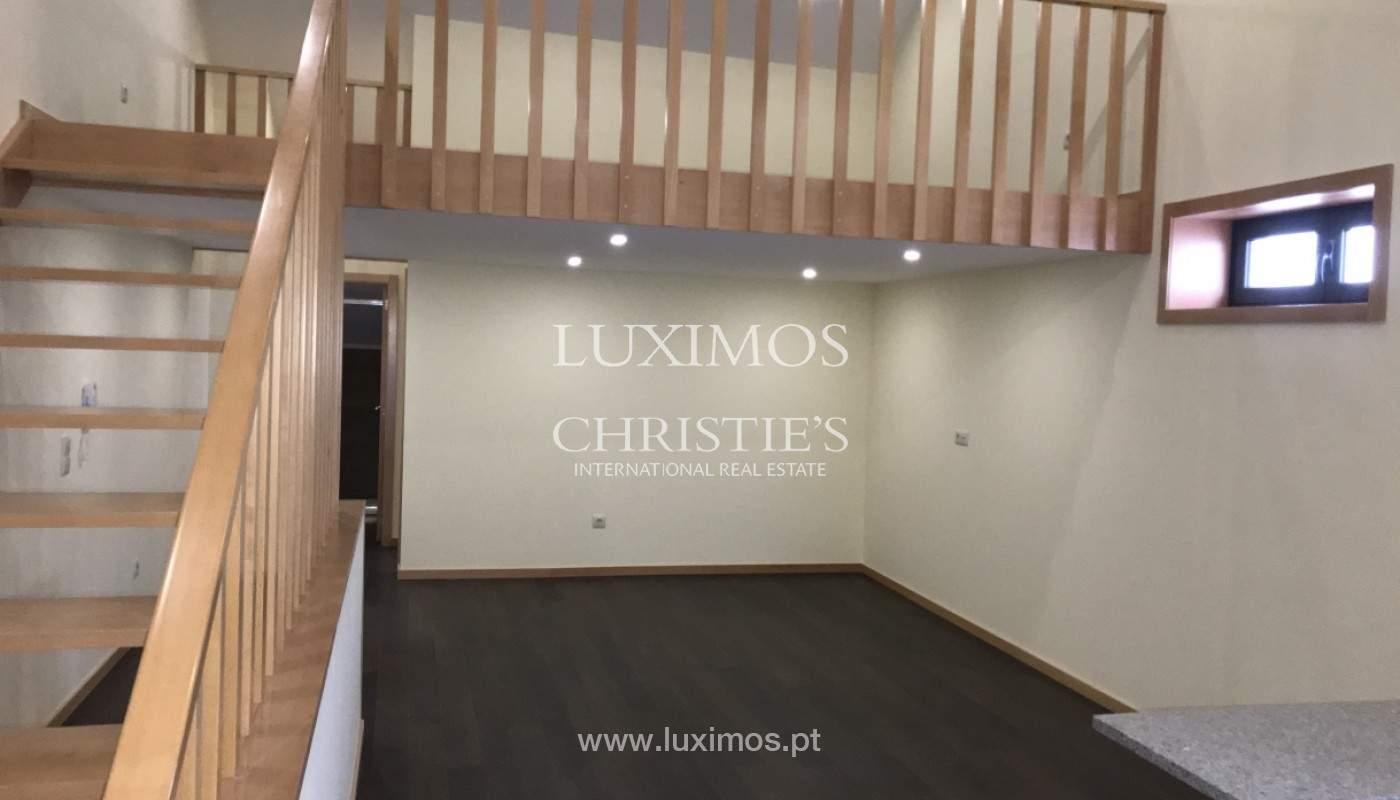 Neue Hochparterre-Wohnung, zu verkaufen, im Zentrum von Porto, Portugal_158137