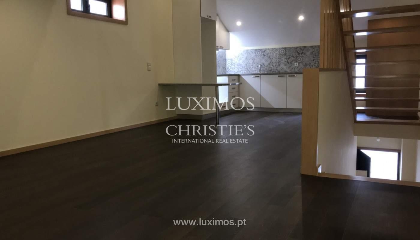 Neue Hochparterre-Wohnung, zu verkaufen, im Zentrum von Porto, Portugal_158139