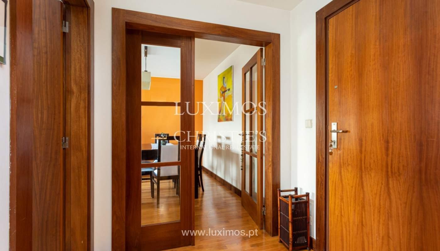 Apartamento com varanda, para venda, em Lordelo do Ouro_158721