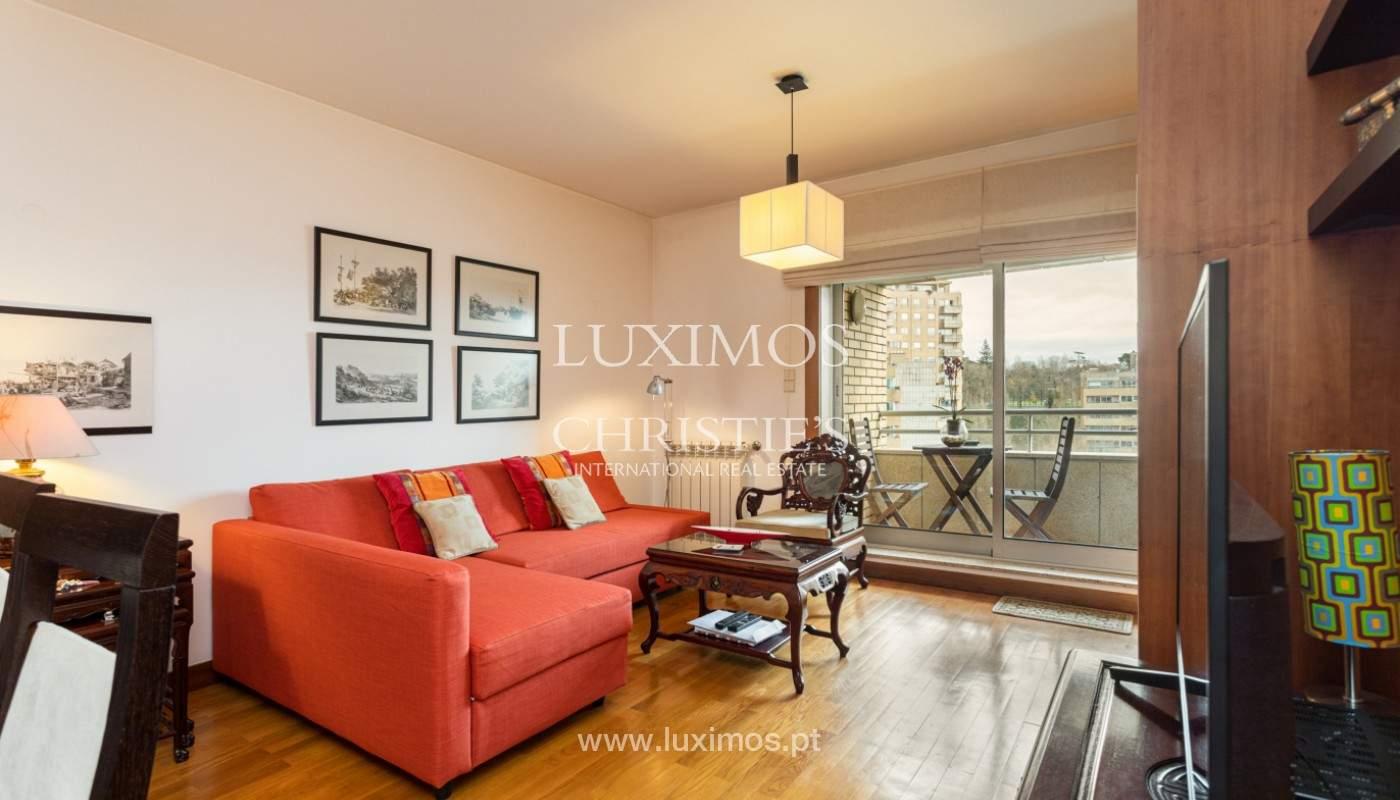 Apartamento com varanda, para venda, em Lordelo do Ouro_158722