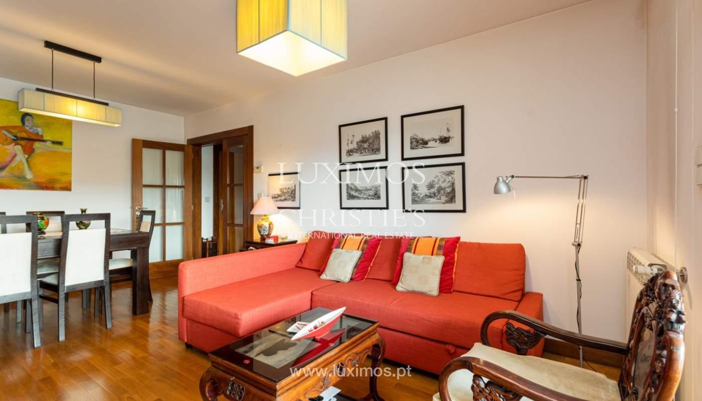 Apartamento com varanda, para venda, em Lordelo do Ouro_158723