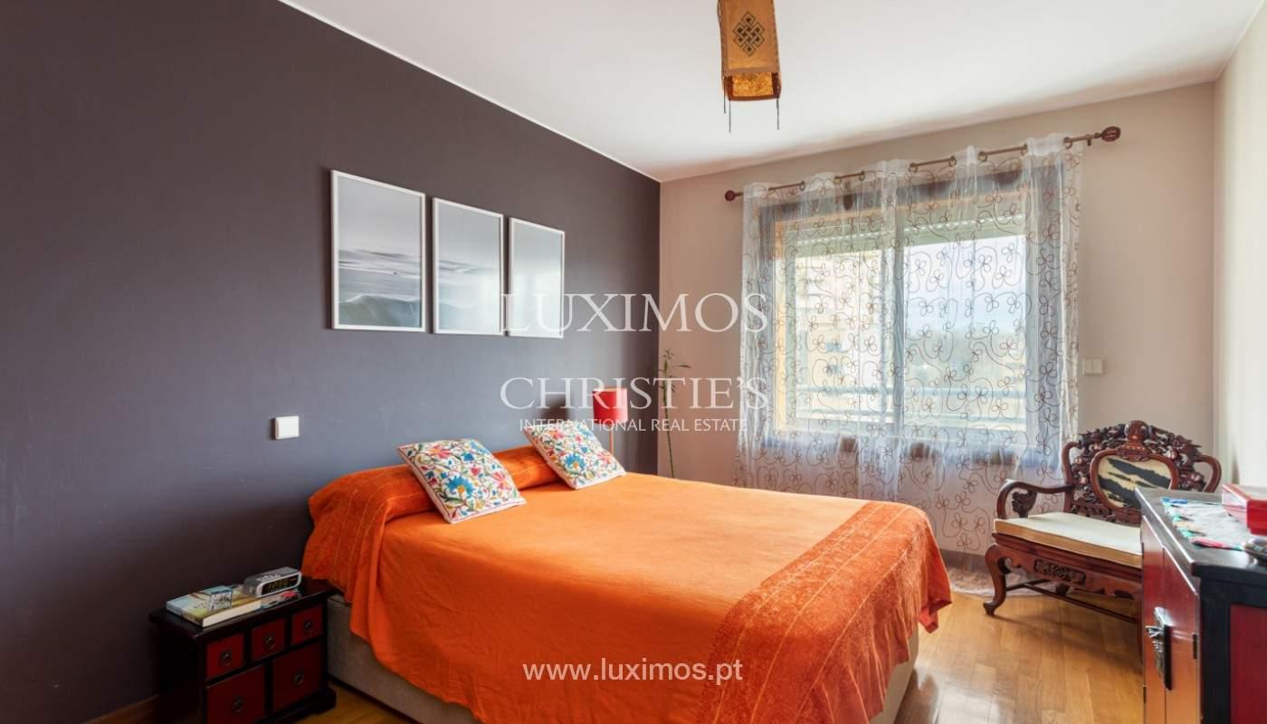 Apartamento com varanda, para venda, em Lordelo do Ouro_158731