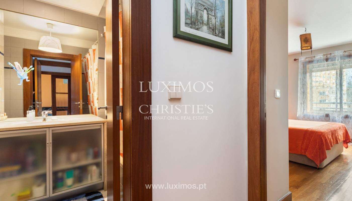 Apartamento com varanda, para venda, em Lordelo do Ouro_158732