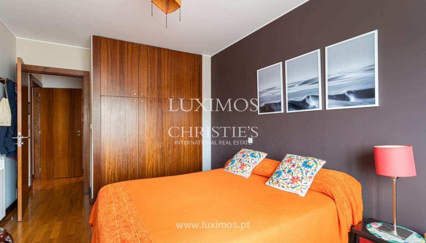 Apartamento com varanda, para venda, em Lordelo do Ouro_158734
