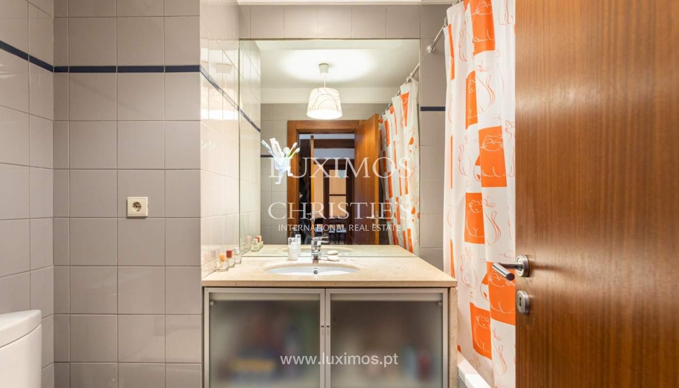 Apartamento com varanda, para venda, em Lordelo do Ouro_158735