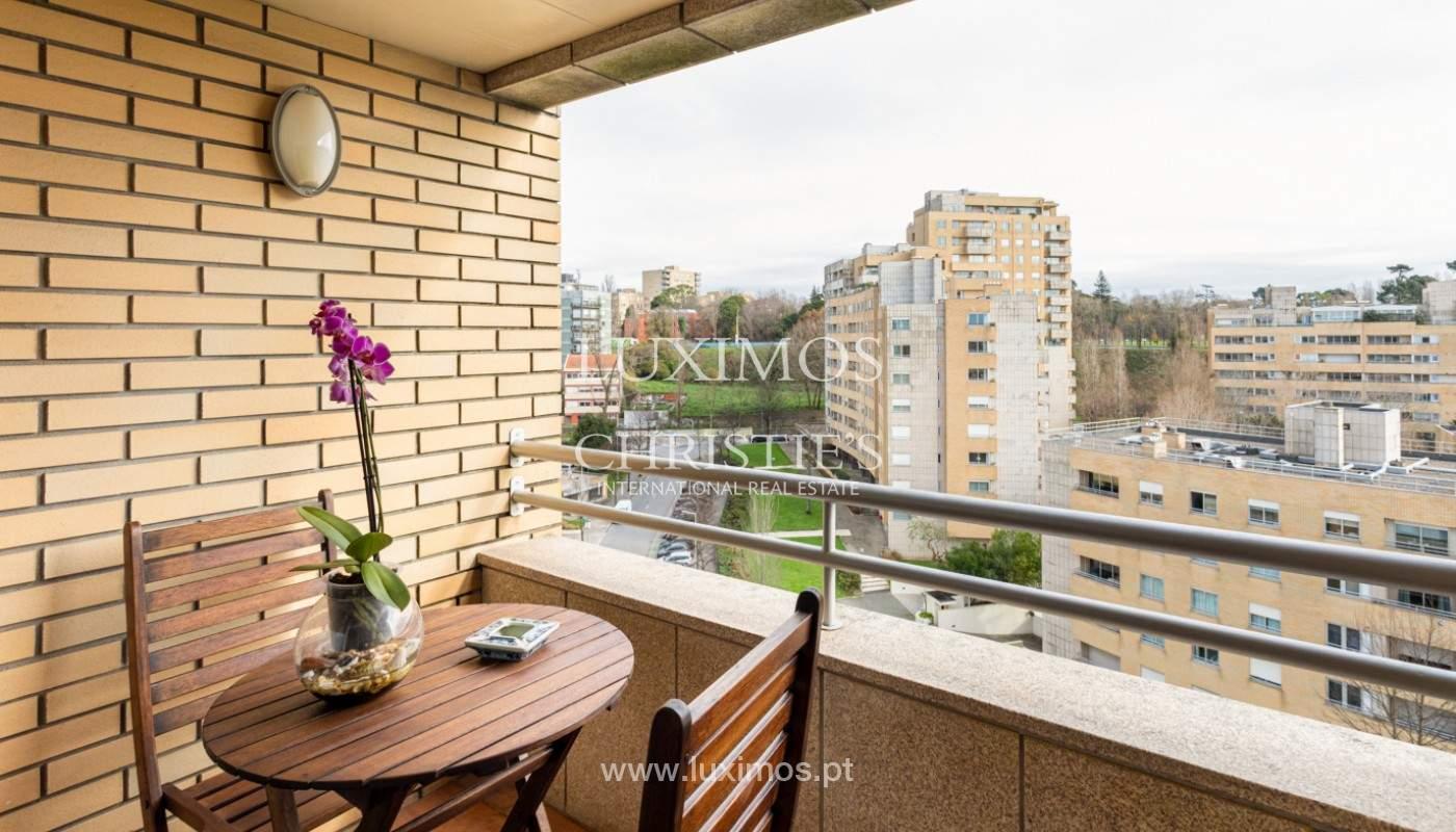 Apartamento com varanda, para venda, em Lordelo do Ouro_158736
