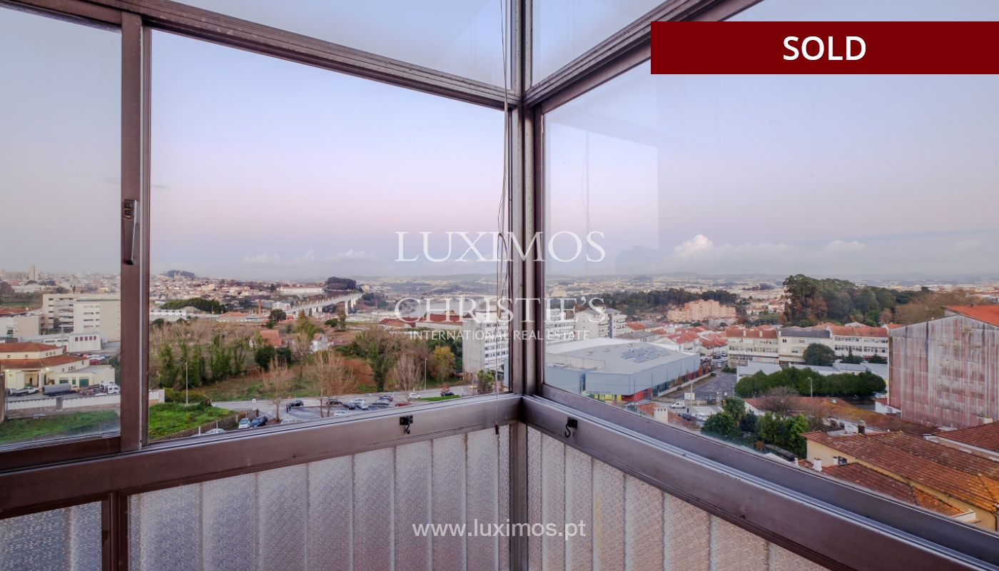 Sale of apartment for remodelling with river views, in V.N. de Gaia, Portugal_158820