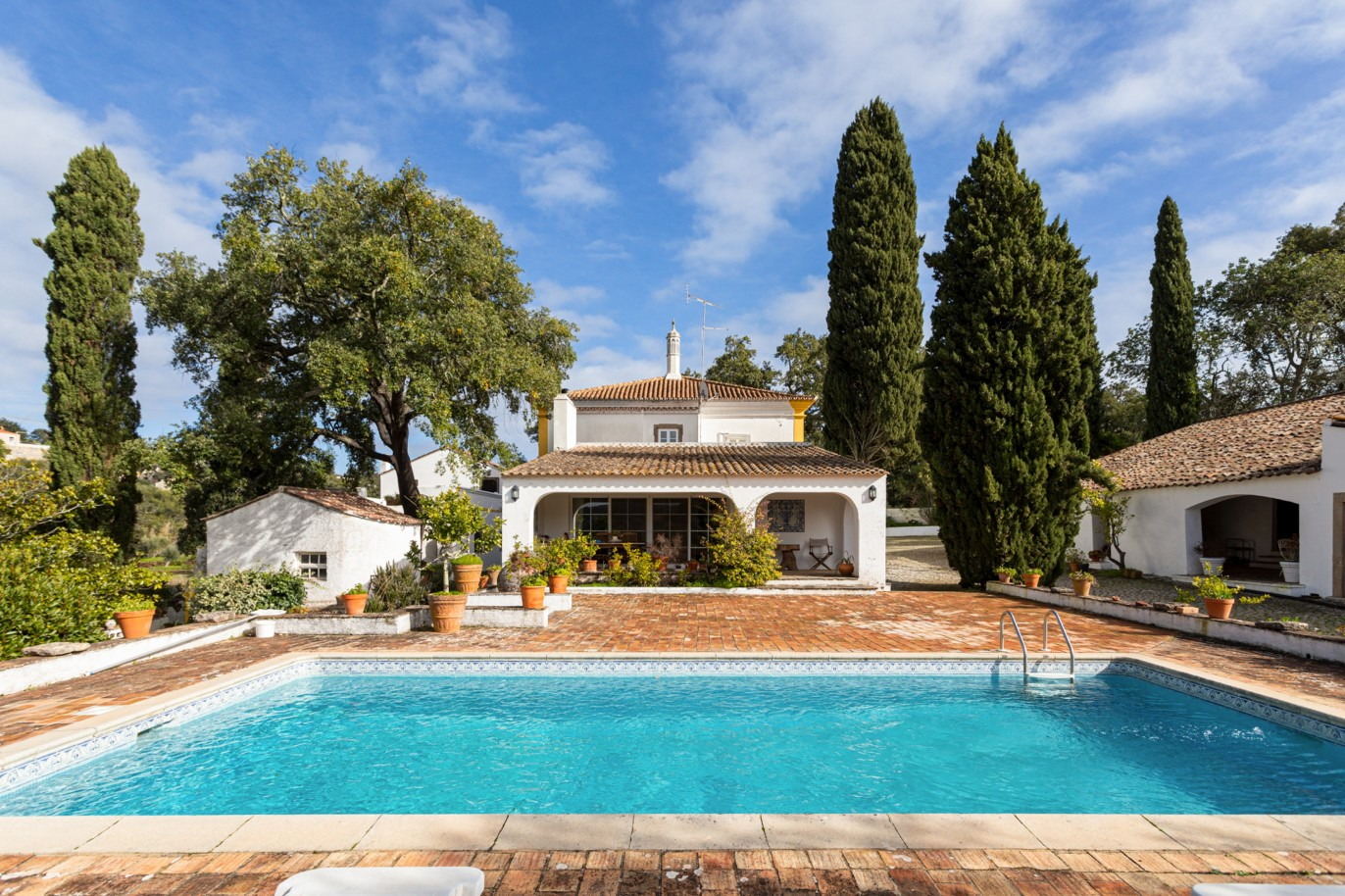 traditional-farm-with-swimming-pool-and-mountain-view-sao-bras-de-alportel-algarve
