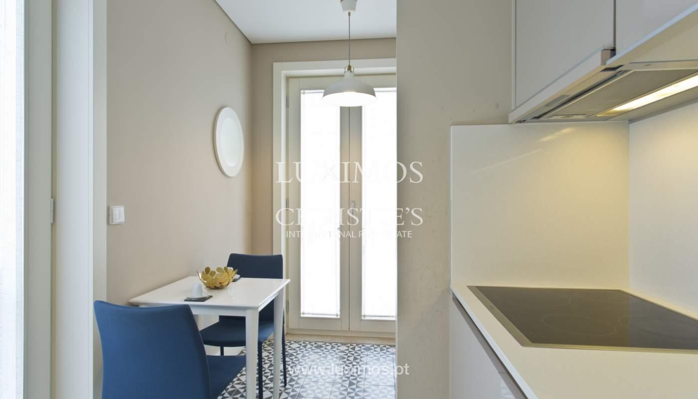 Apartamento com varanda, para venda, no Centro Histórico do Porto_159193