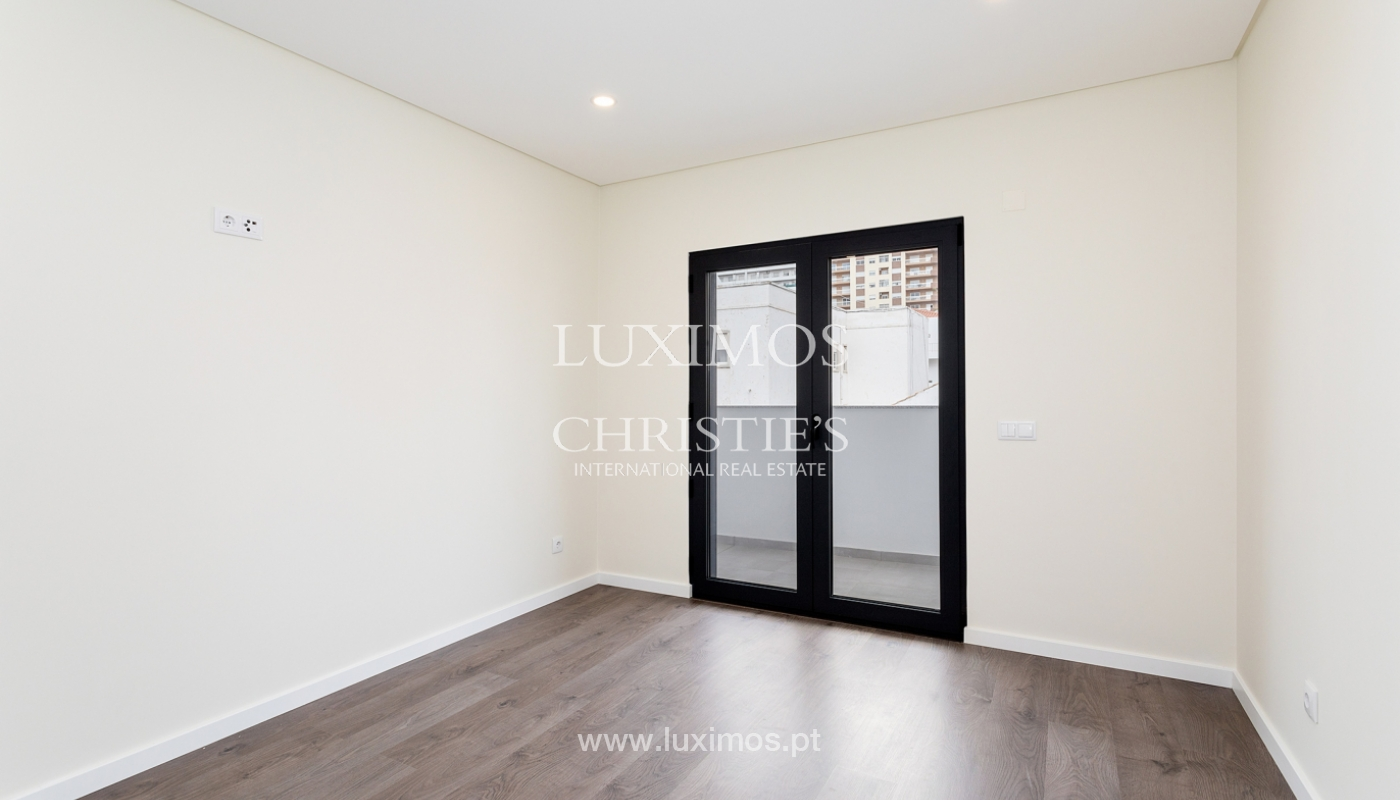Modernes 4-Zimmer-Apartment, mit teilweisem Blick auf die Ria Formosa, Faro, Algarve_159442