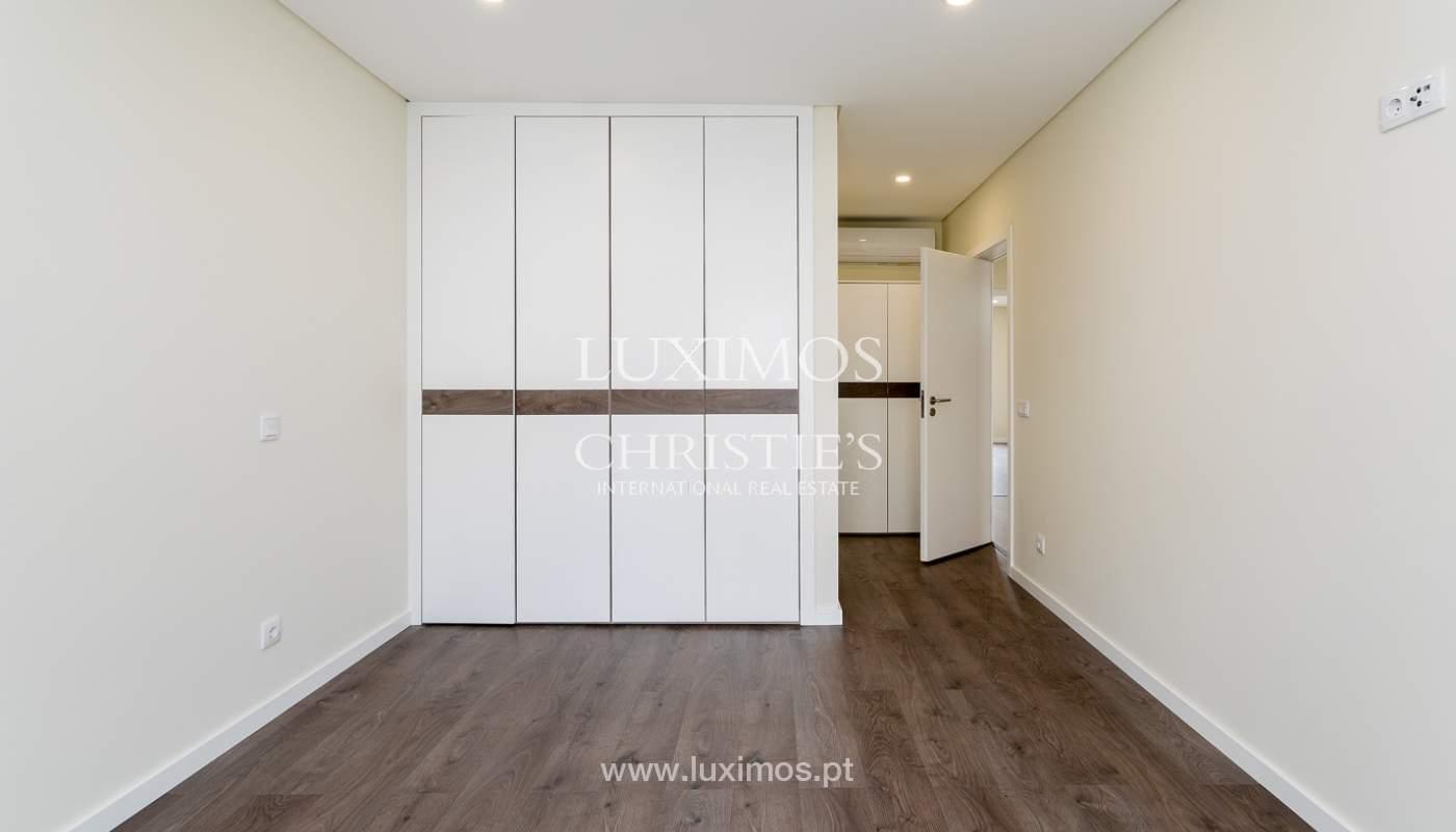 Modernes 4-Zimmer-Apartment, mit teilweisem Blick auf die Ria Formosa, Faro, Algarve_159443