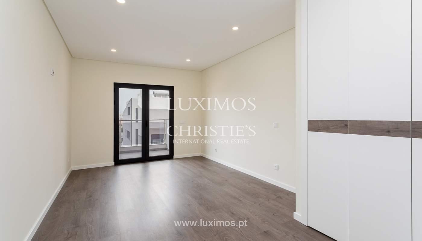 Modernes 4-Zimmer-Apartment, mit teilweisem Blick auf die Ria Formosa, Faro, Algarve_159444