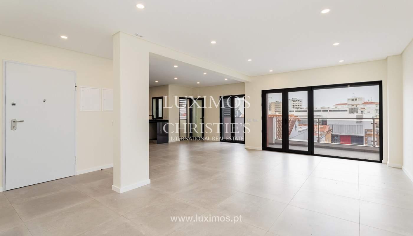 Modernes 4-Zimmer-Apartment, mit teilweisem Blick auf die Ria Formosa, Faro, Algarve_159455